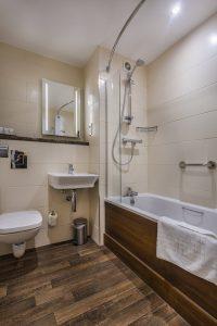 308_Double_Zip_Link_Bathroom_2