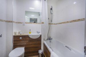 Garden Room 2 – Bathroom